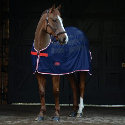 The WeatherBeeta Scrim Cooler is ideal for traveling or cooling after exercise. It has mesh panels that are breathable